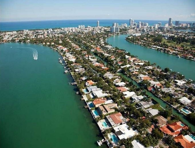 Biscayne Pointe Waterfront Homes For Sale